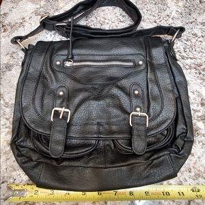 Cute black purse hardly used